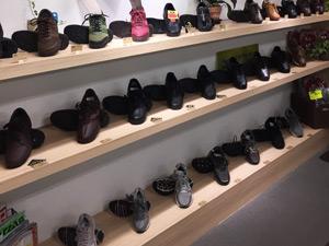 異邦人の靴の写真
