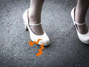 モートン病の改善には靴に中敷きを入れると効果的!?モートン病と中敷きについて