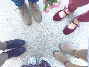 足が痛い原因は靴にあるかも!?靴を見直して足の痛みを解消する方法は?