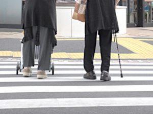 中高年でも歩きやすい靴はどんな靴?