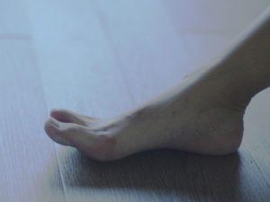 浮き指を改善するための靴の選び方